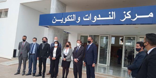 دايفيد غرين القائم بأعمال السفارة الأمريكية بالمغرب في زيارة عمل لمركز المساعدة القانونية بفاس.
